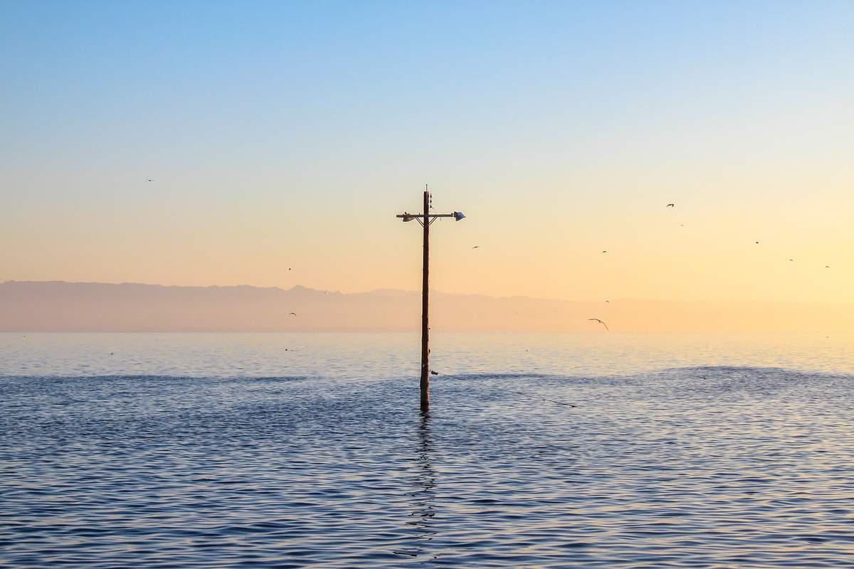 Kleinere Überschwemmungen, so genannte Nuisance Floodings, könnten nach einer neuen Studie an der Ostküste der USA immer häufiger werden. (c) Giovanni Arechavaleta / Unsplash