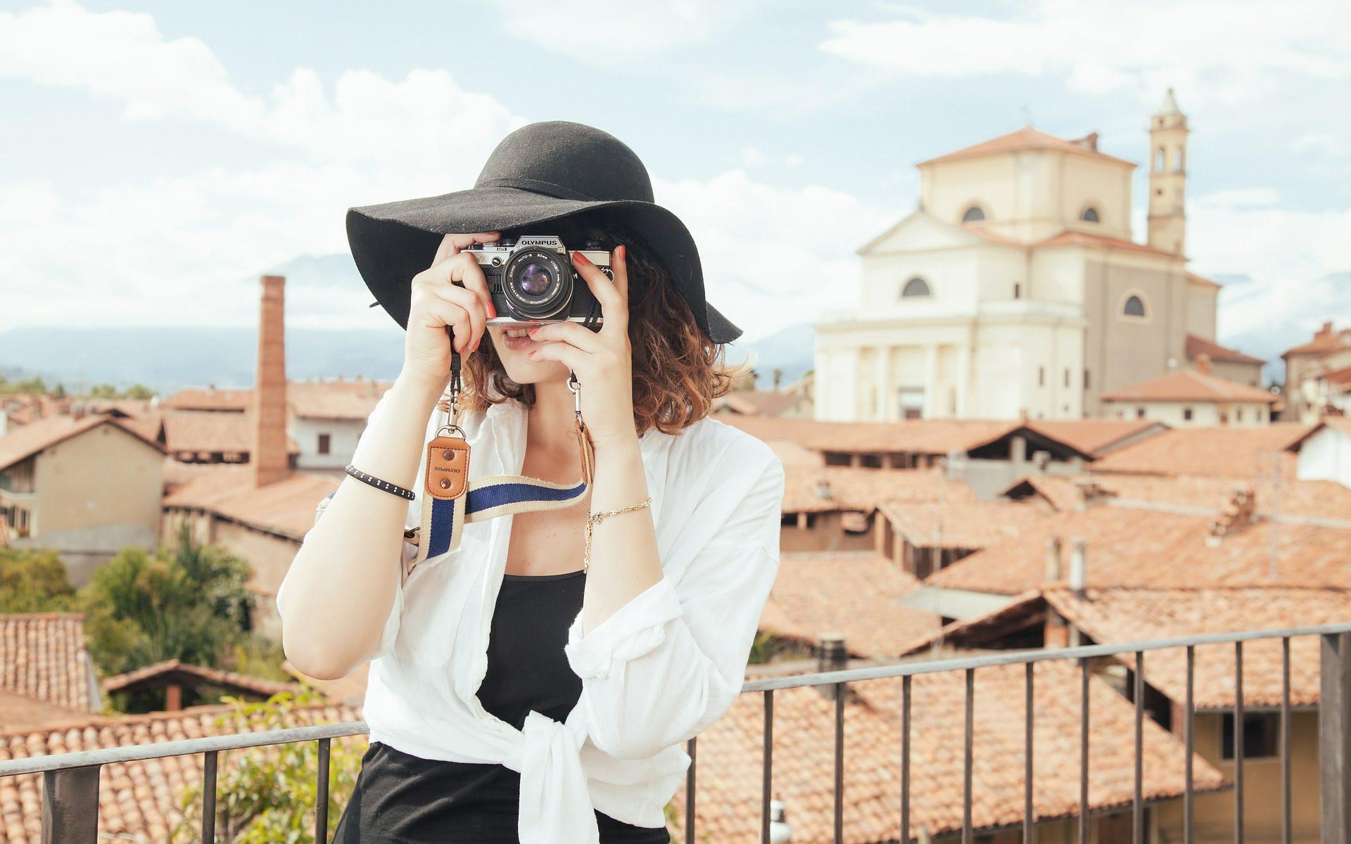 fotografierende Touristin